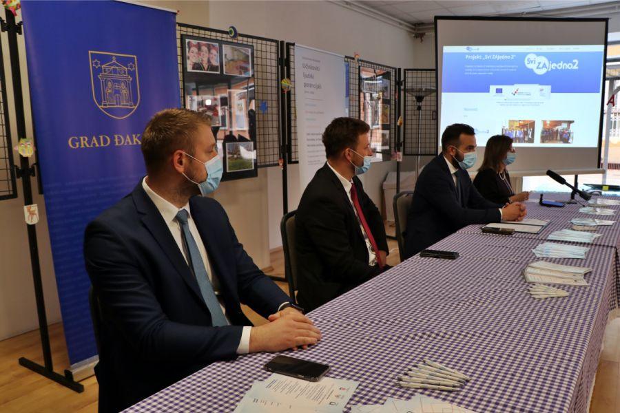 """Projekt Grada Đakova """"Svi Zajedno 2"""" : Posao za 53 žene i skrb za 318 korisnika"""